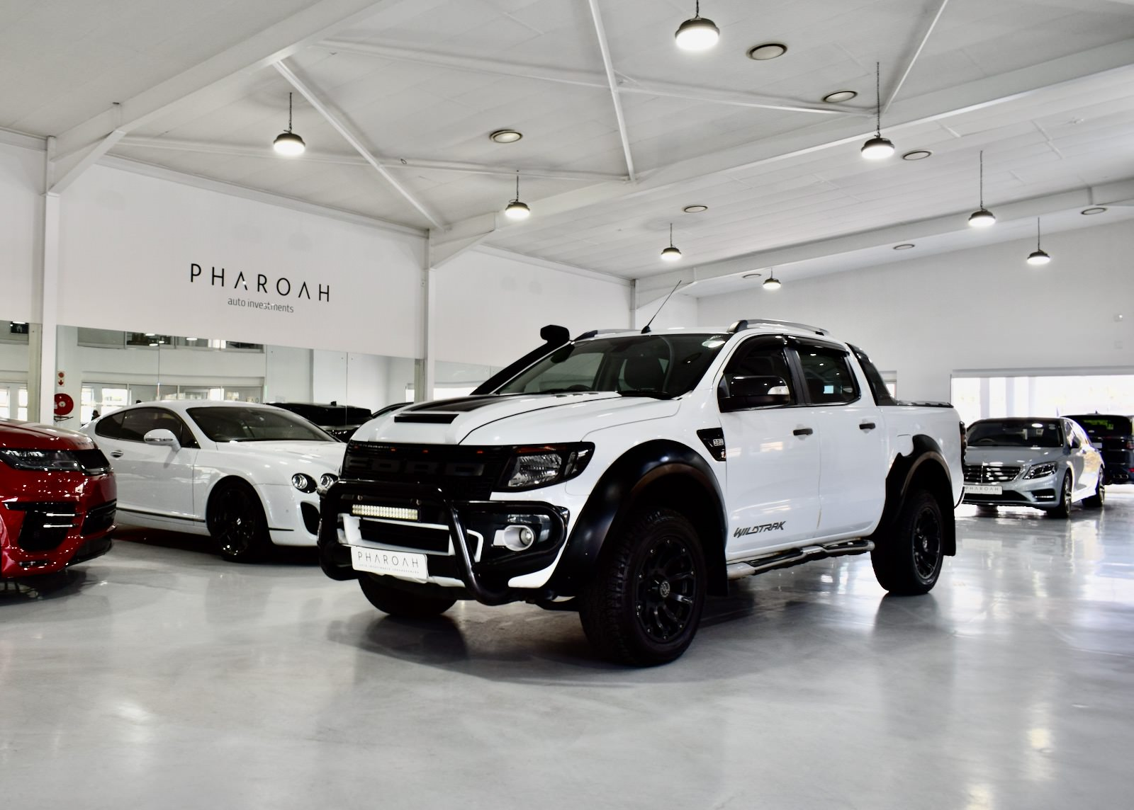 Ford Ranger 3.2 TDCI Double Cab Wildtrak 4×4 Raptor Pack - Pharoiah Auto - Via TrackRecon - 004