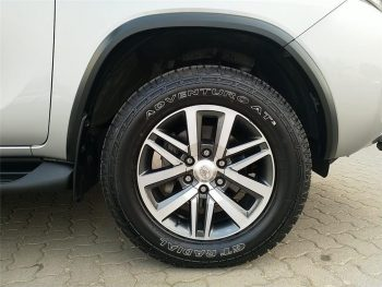 2019-SILVER-Toyota-Fortuner-28GD-6-RB-AT-7444130-15-1024x768